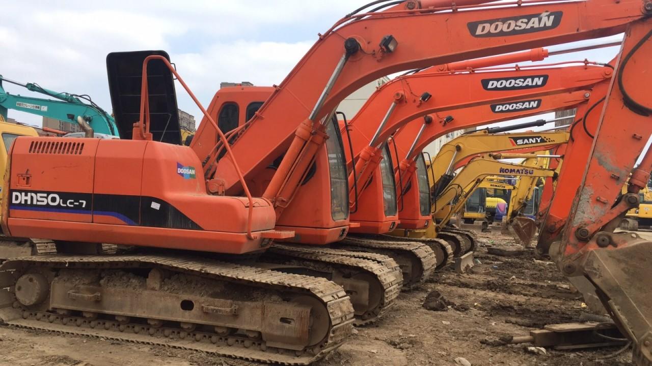 南京二手挖掘机市场,转让二手斗山150、220、225挖掘机,免费送货支持分期付款