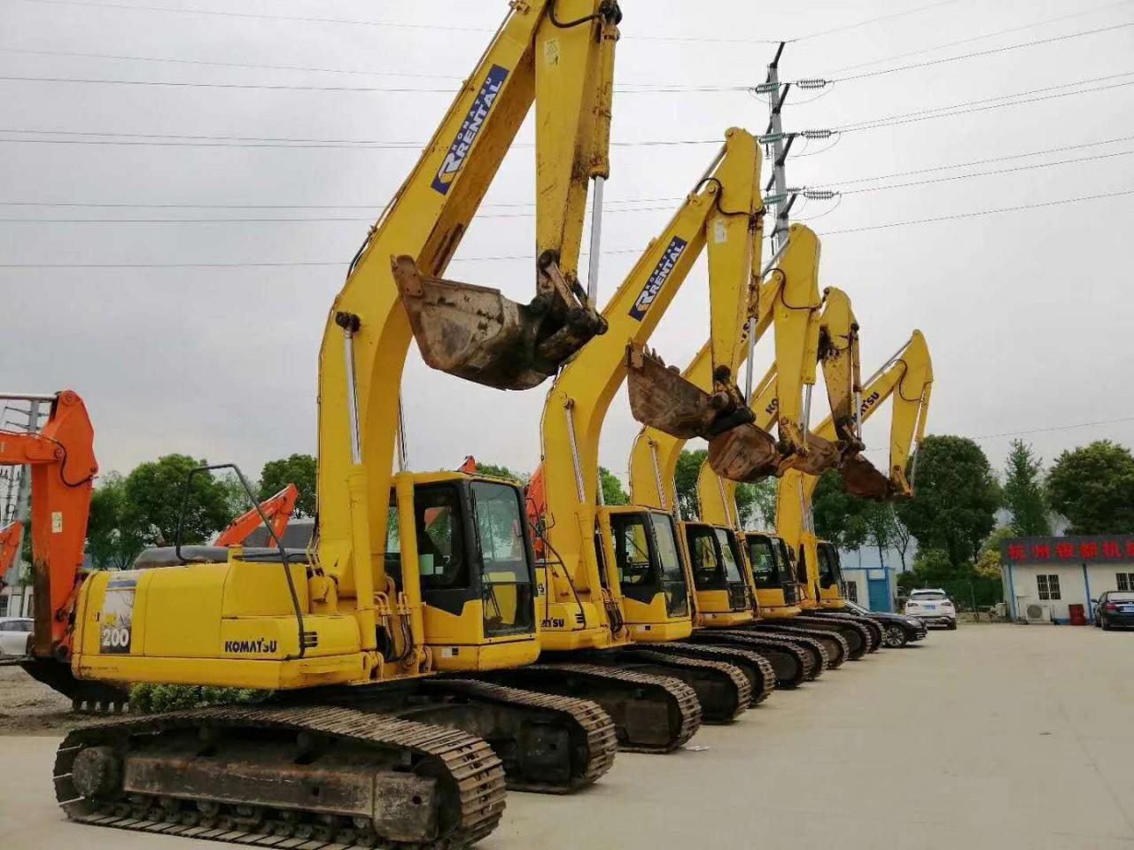 武汉二手挖掘机市场,转让二手PC200、220、240挖掘机,支持分期,机况包好