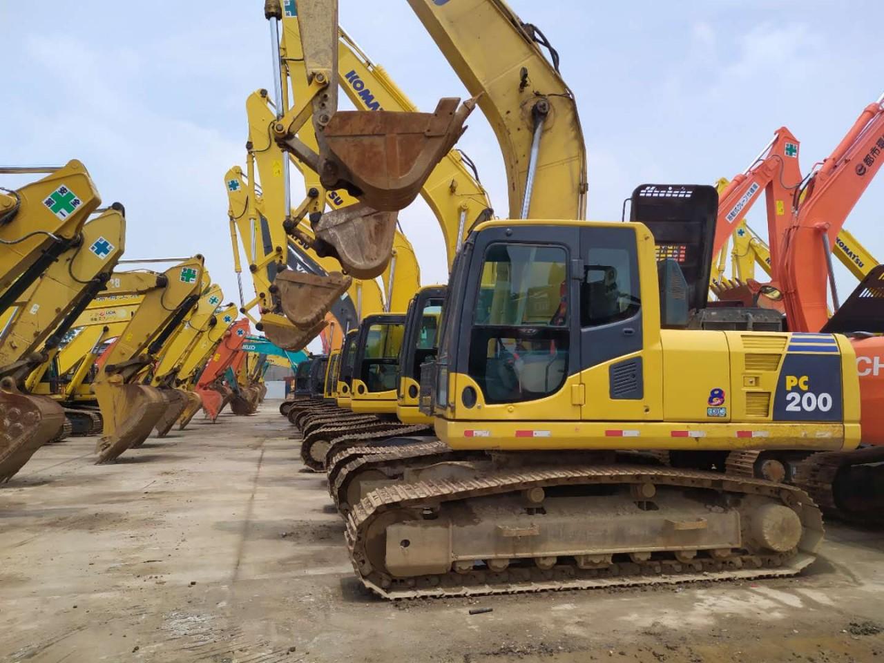 沈阳二手挖掘机市场转让,二手小松200、240和360挖掘机,原版车况,支持分期