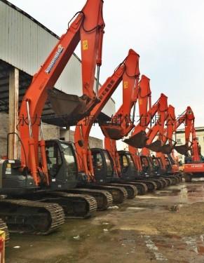 新疆二手挖掘机市场转让二手日立210、240、350等挖掘机,机况不错,包运到家