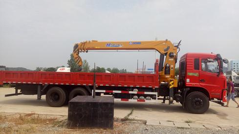 供应徐工MSQS300-4随车吊 徐工12吨吊机后八轮玉柴240马力
