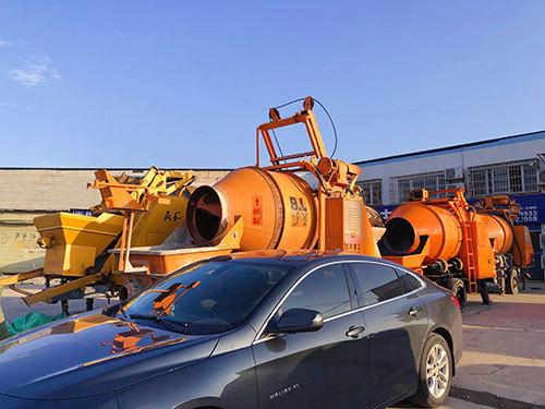 二手混凝土搅拌机输送泵一体机_搅拌泵送一体机