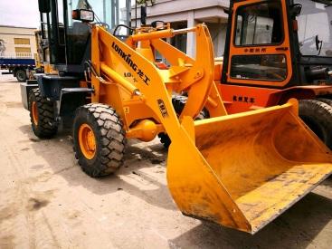 出售二手龙工15-20小型装载机||二手小铲车交易市场
