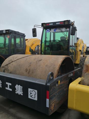 20吨22吨26吨二手振动压路机多少钱