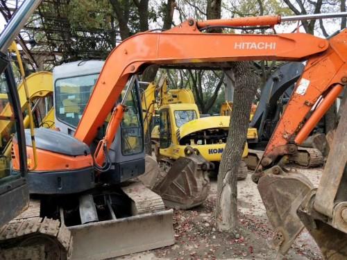 二手60小挖掘机,二手轮式70挖掘机转让 小松轮胎式70挖掘机 二手60 70 80履带式小挖机