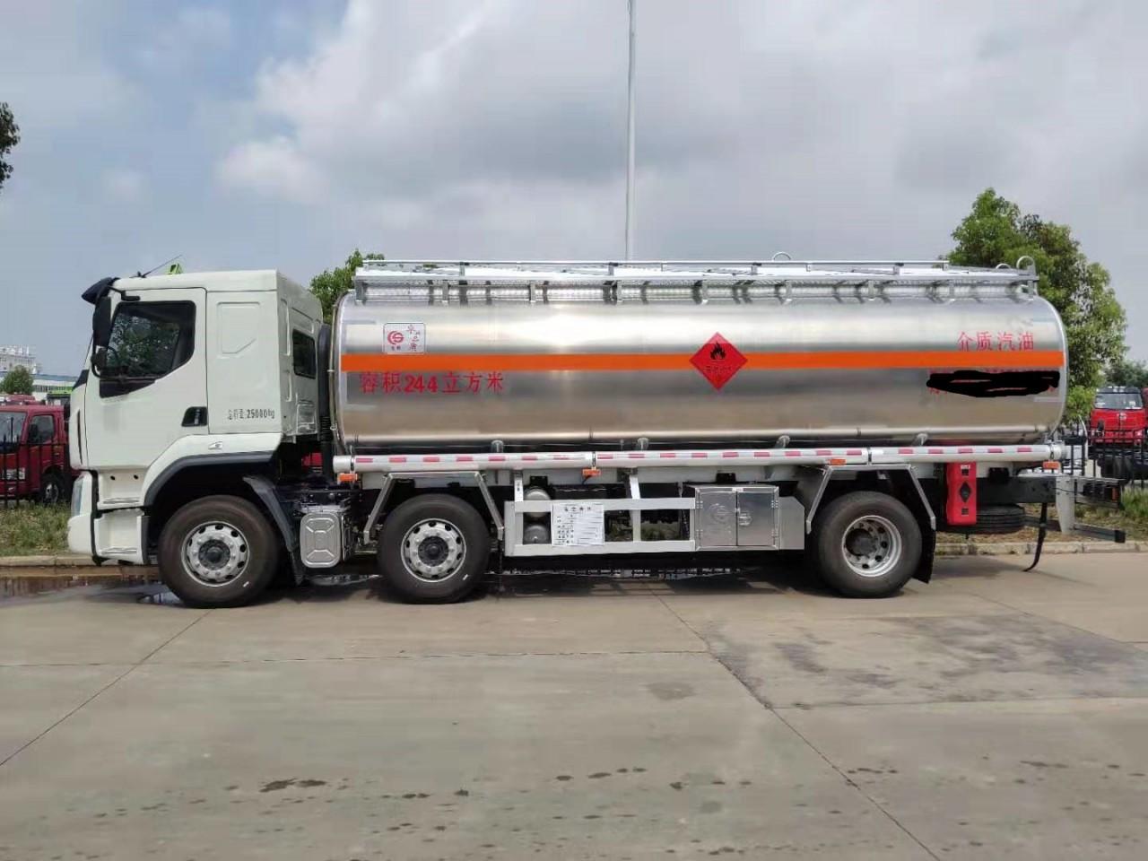 东风柳汽小三轴20吨油罐车