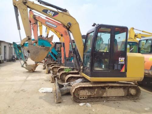 低价转让二手挖掘机,型号有卡特306E、三一60三一75和斗山60等挖掘机