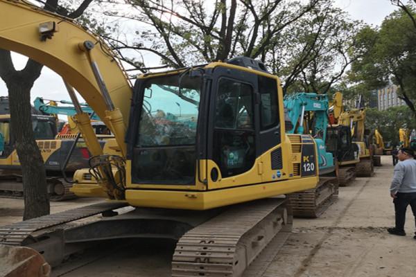 供應小松PC220-8二手挖掘機|免費送貨
