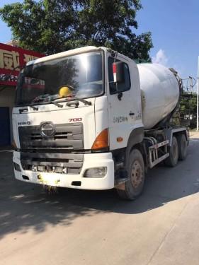广西南宁二手混凝土搅拌车12年广汽日野12方水泥运输车