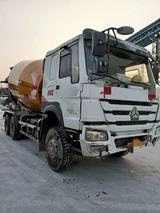 广西来宾2014年重汽豪沃大12方搅拌运输车