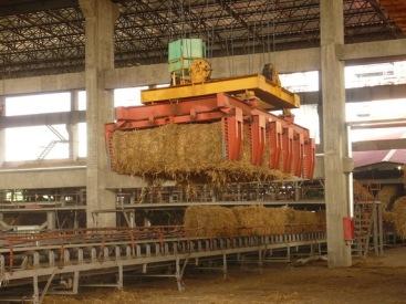 供秸杆捆发电抓斗在上海格鲁博机械有限公司