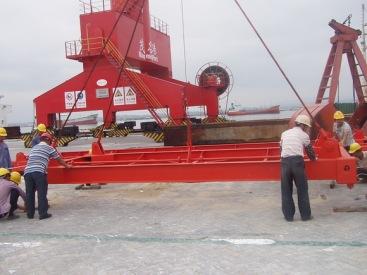 供半自动集装箱吊具在上海格鲁博机械有限公司