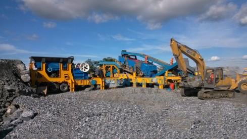 供应山友重工200吨每小时移动式破碎站