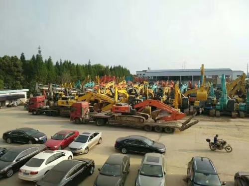 重庆二手挖掘机市场,新款小松200、240 卡特320、336二手挖掘机出售