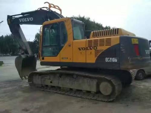 乌鲁木齐二手挖掘机市场,原版二手沃尔沃210B、240B、360B挖掘机出售,质保一年