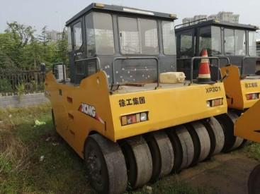 河南嵩县工地出售二手301胶轮压路机