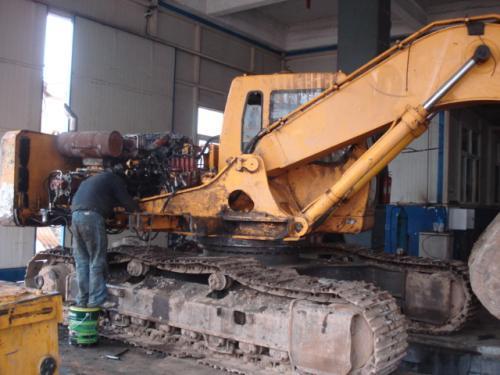 维修卡特挖掘机