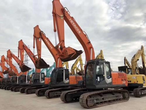 新疆进口日本二手挖掘机特价,原装日立240、小松240、神钢260等