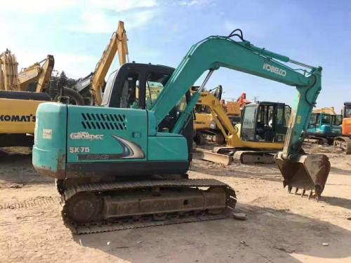 成都转让二手挖掘机,型号有小松70神钢75三一60和卡特306等
