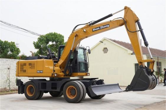 出售轮式135挖掘机