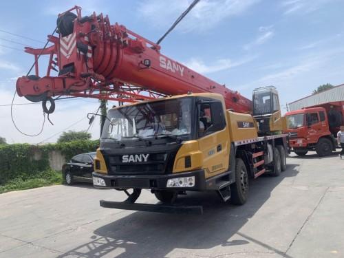 求购二手20吨,25吨,50吨,80吨吊车