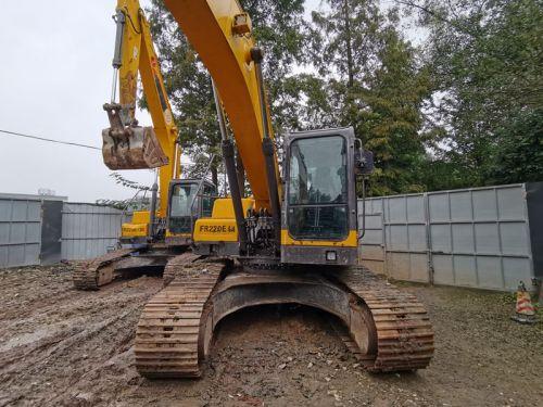 大量出售雷沃220E 230E 370E挖掘机,自用一手车
