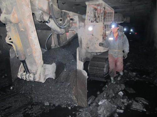 二手隧洞掘进出渣机