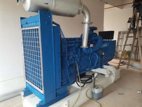 出售大型发电机,二手发电机回收,云浮发电机维修,发电机出租