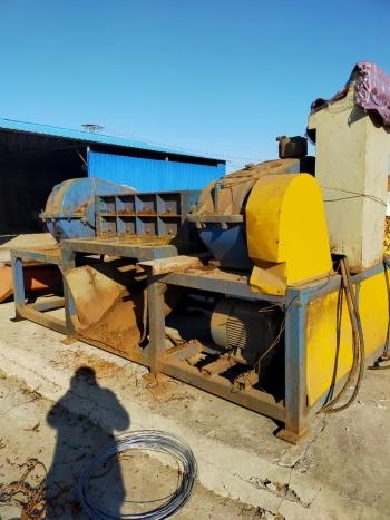 出售二手同丰机械1200型皮革撕碎机配45kw电机7.5万