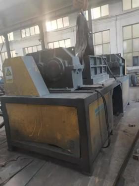 出售二手同丰机械1000型木材撕碎机配45kw电机7万