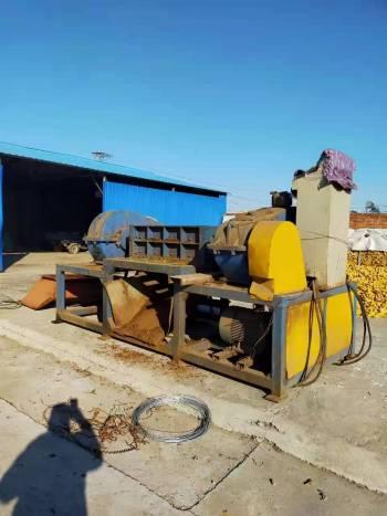 出售二手同丰机械1200型木材撕碎机配45kw电机7.5万