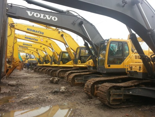 小松、沃尔沃130、200、210、240、360等二手挖掘机低价出售