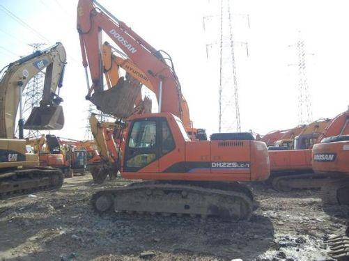 斗山150、220、225和260等二手挖掘机低价出售