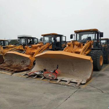 转让二手柳工,龙工,临工30-50抓木机 二手侧翻铲车 保修一年