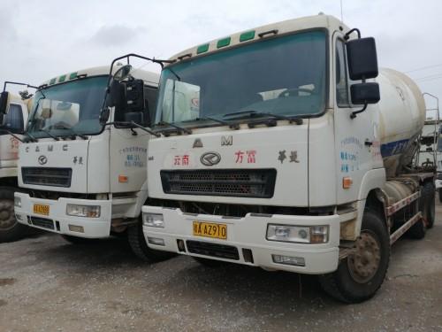南宁出售二手华菱2017年5月华菱大12方搅拌运输车
