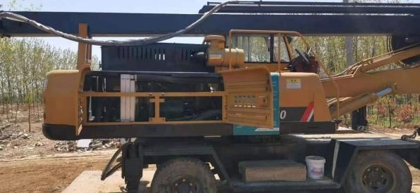 出售9成新旋挖机
