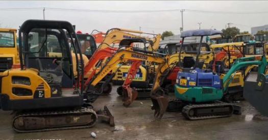 二手20挖掘机销售-个人急转让二手小松20挖掘机