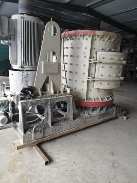 出售二手立轴1500制砂设备 立轴破碎机 矿山设备各种岩石破碎机