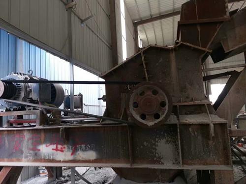 出售二手煤矸石破碎机风化石破碎机制砂机1212板锤制砂机