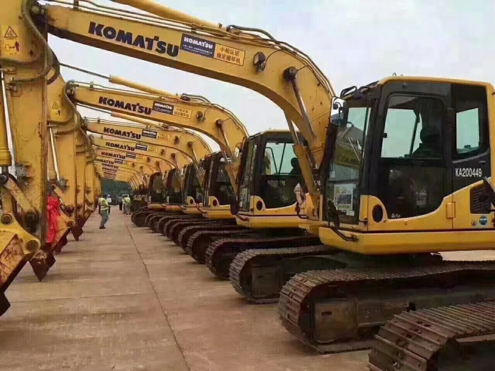 ||安康||商洛二手挖掘机市场||出售二手小松130-240-360挖掘机