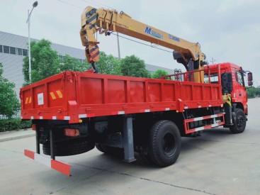 东风专用底盘D3玉柴200马力徐工8吨4节双联泵加长直臂吊机国六随车吊